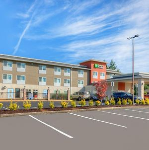 Holiday Inn Express Newberg - Wine Country photos Exterior