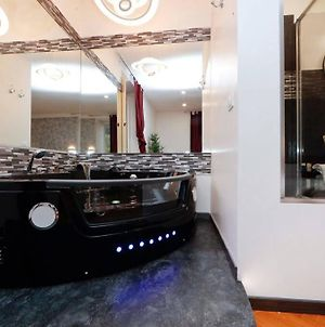 Refined Suite With Jacuzzi In Trastevere photos Exterior