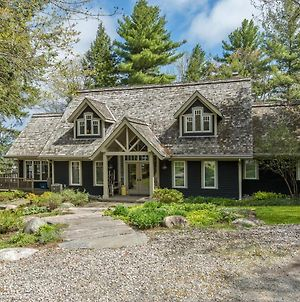 Fabulous Lake Muskoka photos Exterior