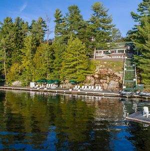 Breakwater Exclusive Beaumaris Lakehouse On Lake Muskoka photos Exterior