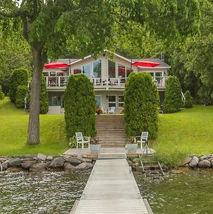 Simply Simcoe A Fabulous Carthew Bay Lakefront Home photos Exterior