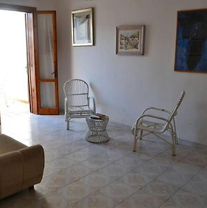 Cosy Apartment Near The Beach With Patio Pets Allowed Parking Available photos Exterior