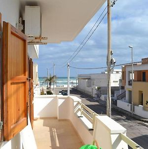 Apartment Near The Beach With Air Conditioning Pets Allowed photos Exterior