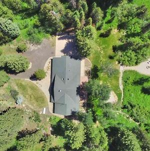 Off The Hook - Creek Frontage - Hot Tub - Pet Friendly - Private Wooded Property photos Exterior