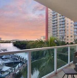 Miami Beach Sunny Isles - Gracious 2 Bedroom 2 Bathroom With Stunning Views 6 Guests photos Exterior