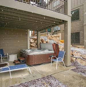 Private Hot Tub, Pickle Ball Courts, Clean, Luxury, Fire Place, Ew 24A photos Room