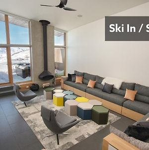 Ski In Ski Out Powder Mountain Ski Resort Home. Stunning Views. photos Room