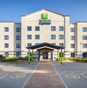 Holiday Inn Express Poole, An Ihg Hotel photos Exterior