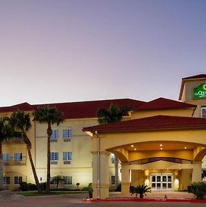 La Quinta Inn & Suites By Wyndham Raymondville photos Exterior
