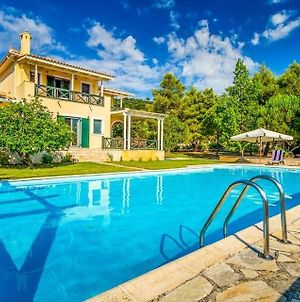 Ano Vasilikos Villa Sleeps 10 With Pool Air Con And Wifi photos Exterior