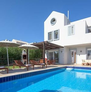Lindos Villa Sleeps 7 Pool Air Con Wifi photos Exterior