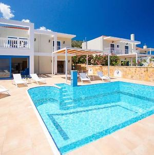 Skala Villa Sleeps 6 Pool Air Con Wifi photos Exterior