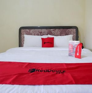 Reddoorz Near Lippo Plaza Buton photos Exterior