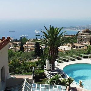 Taormina Villa Sleeps 9 Pool Air Con Wifi photos Exterior