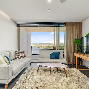 Stylish Unit With Parking, Balcony And River Vistas photos Exterior