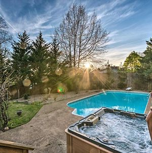 Lakefront Hot Springs Home With Hot Tub And Pool! photos Exterior