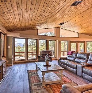 Upscale Cabin With Mountain Views & Large Game Room! photos Exterior
