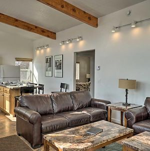 Pet-Friendly Escape With Northern Lights View! photos Exterior