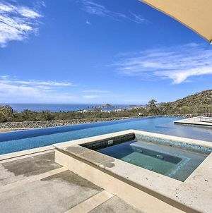Modern Oasis With Infinity Pool Access & Views! photos Exterior