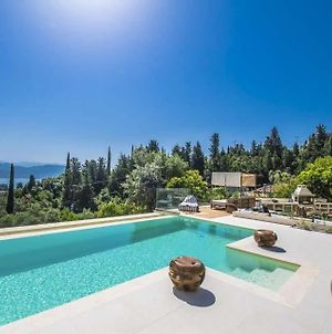 Lygia Villa Sleeps 10 With Pool Air Con And Wifi photos Exterior