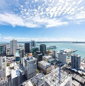 2 Brm Apt With Stunning Harbour Views, Level 24 photos Exterior