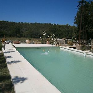 Graceful Cottage In Malaucene With Private Swimming Pool photos Room