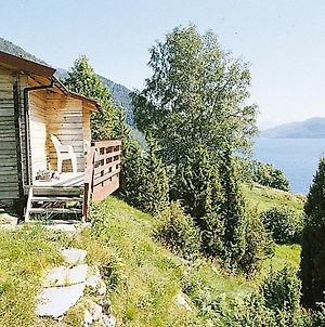 Two-Bedroom Holiday Home In Nordfjordeid 1 photos Room