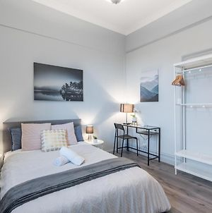 Boutique Private Rm Situated In The Heart Of Burwood4 photos Exterior