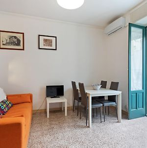 Vintage Holiday Home In Scicli With Balcony photos Room