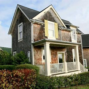 Big Fish Two-Bedroom Home photos Exterior