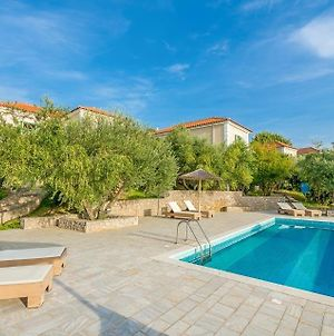Gialova Villa Sleeps 16 Pool Wifi photos Exterior
