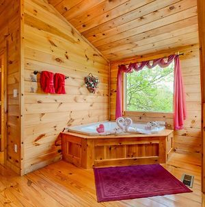 Bearly Naked Log Cabin Romantice Couples Getaway photos Exterior