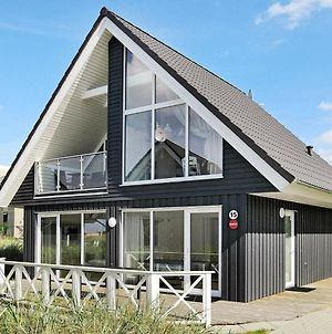 Three-Bedroom Holiday Home In Wendtorf 2 photos Exterior