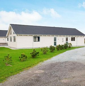 Eight-Bedroom Holiday Home In Vaeggerlose photos Exterior