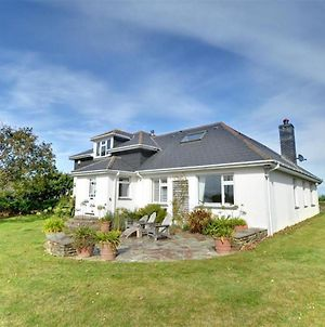 Detached Holiday Home In Constantine Bay With Open Fireplace photos Exterior