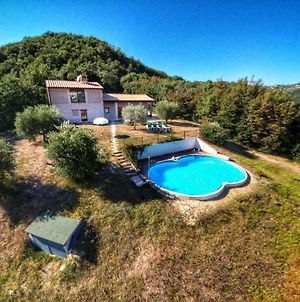 Attractive Holiday Home In Assisi With Swimming Pool photos Exterior