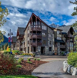 Rundle Cliffs Lodge By Spring Creek Vacations photos Exterior