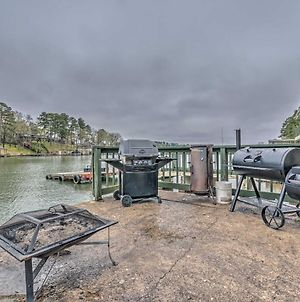 Couples Retreat Right On Water With Boat Ramp! photos Exterior