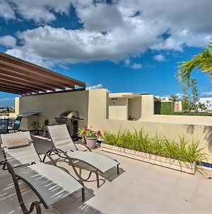 Penthouse With Private Patio, 1-Block Walk To Beach! photos Exterior