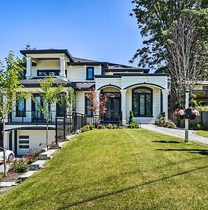 Luxury Vancouver Home With Patio & Views Of Downtown photos Exterior