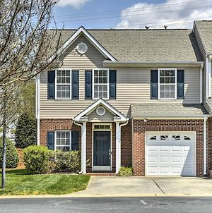 Inviting High Point Townhome With Patio And Privacy photos Exterior