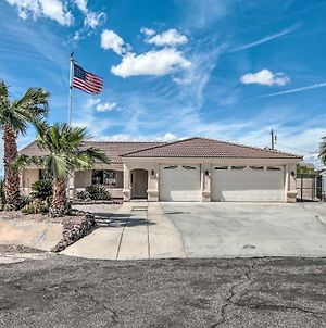 Havasu Home With Pool Deck And Grill 5 Mi To Lake! photos Exterior