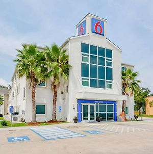 Motel 6 Biloxi Beach photos Exterior