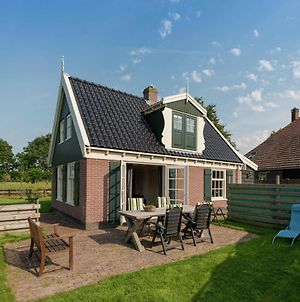 Charming Holiday Home In Wieringen With Garden photos Room