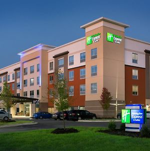Holiday Inn Express & Suites - Fayetteville South, An Ihg Hotel photos Exterior