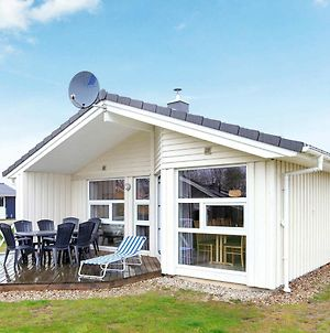 Three-Bedroom Holiday Home In Gromitz 19 photos Exterior