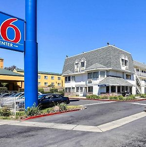 Motel 6 Oakland Airport photos Exterior