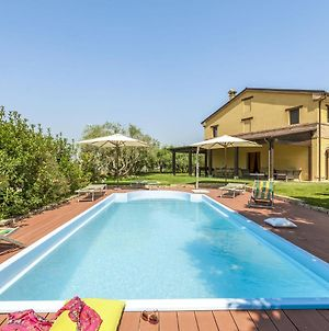 Lush Villa In Montefano With Private Pool photos Exterior