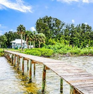 Key West Style Waterfront Estate photos Exterior