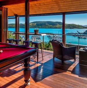 Uisce Luxury Holiday House With Jacuzzi Pool Table Cinema Premium Foxtel And Two Buggies photos Exterior